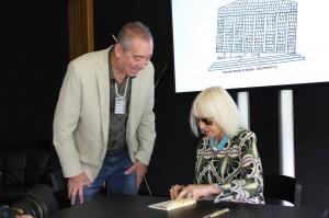 Ricardo Cadenas, Presidente Honorario de Fundación Tres Pinos quién acompañó a la artista en su presentación en documenta 14 Kassel.
